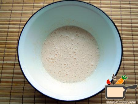 shokoladnaja-sharlotka-s-vishnej-4